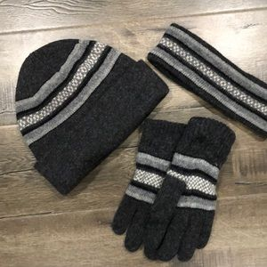 NWOT Beanie, headband and glove set double-lined